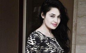 Yuvika chaudhary latest h…