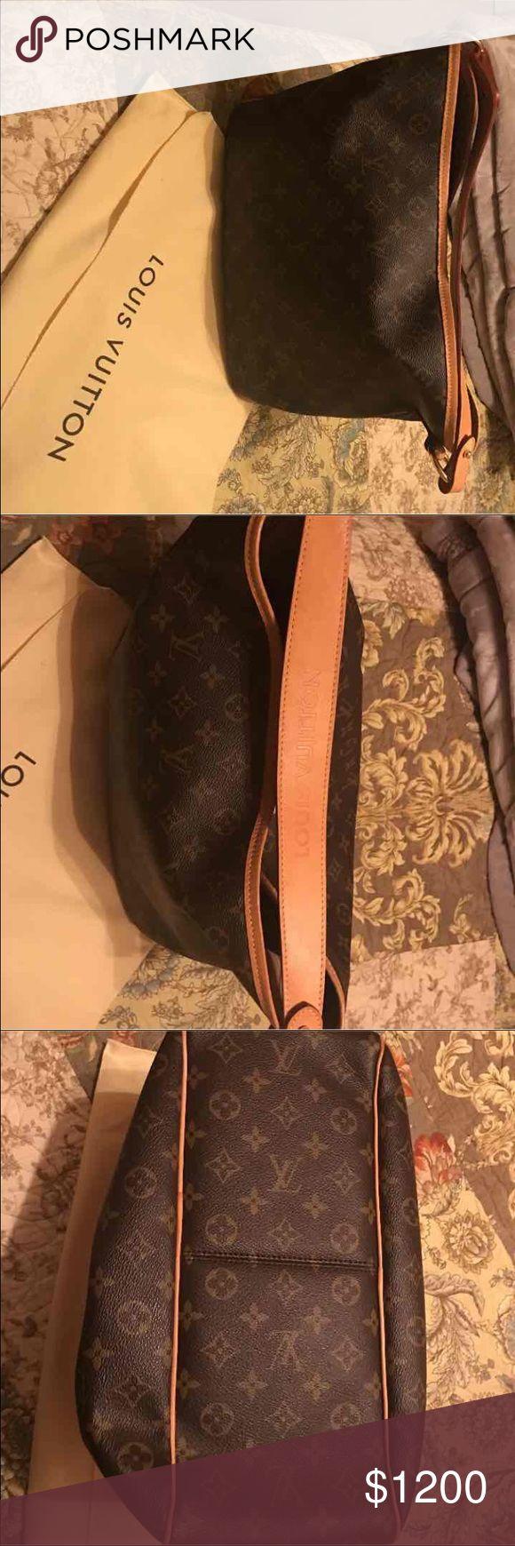 Louis Vuitton monogram delightful shoulder bag Authentic Louis Vuitton monogram delightful shoulder bag lightly used retail $1390 plus taxes close $1500.00 Louis Vuitton Bags Shoulder Bags
