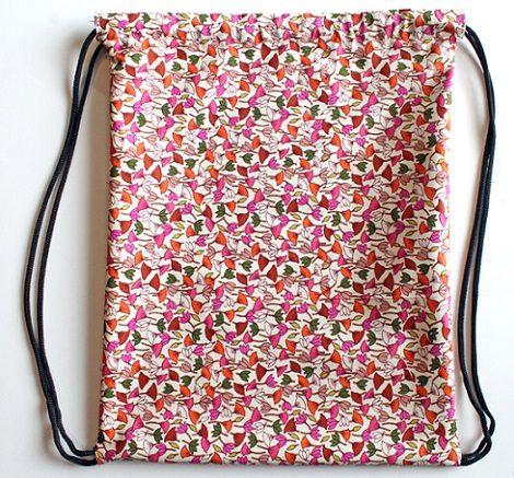 Cómo hacer una mochila de tela casera tipo saco