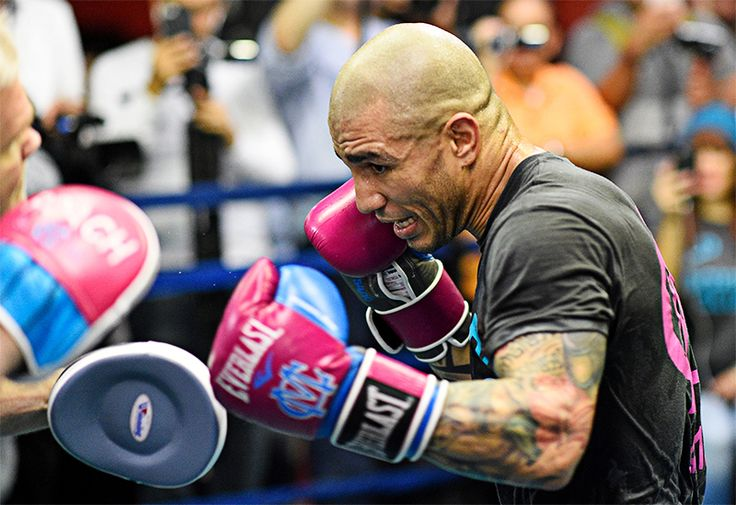 'Cotto-Canelo is the biggest fight in boxing, period' http://www.boxingnewsonline.net/miguel-cotto-will-give-the-fans-the-fight-they-want-to-see-against-canelo-alvarez/ Photo @Hoganphotos #boxing #CottoCanelo