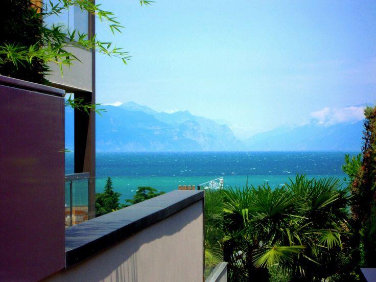 L'agenzia immobiliare #RossoGarda vende e affitta splendide case a Lonato sul lago di Garda. Tutte le proposte immobiliari per Lonato http://www.rossogarda.it/elenco/in_Vendita/Residenziale/tutte_le_tipologie/Lonato/?idc=6217