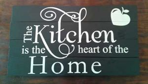 Picture of The kitchen is the heart Pallet Sign