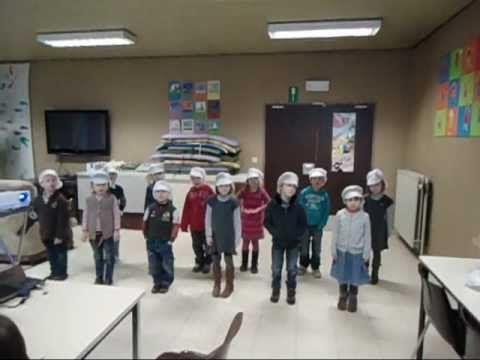 K3 danst op het liedje van 'De bakker'. - YouTube