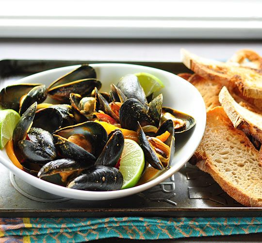 Thai Red Curry Mussels - The Kitchn: Yummy Food, Thai Mussels, Mussels Foodies, Curries Recipe, Comforter Food, Thai Red Curries, Delicious Recipe, Yummy Stuff, Curries Mussels
