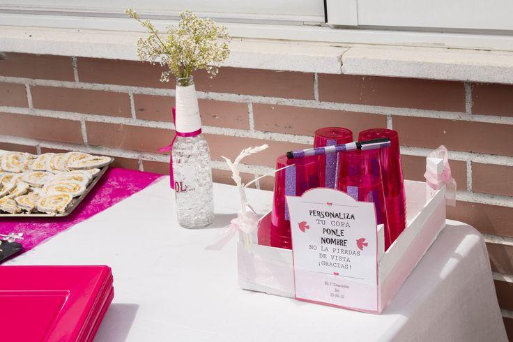 Detalles evento comunión.  Presentación mesa comunión niña color rosa. Pide presupuesto a detallescolibri@gmail.com +info www.detallescolibri.com