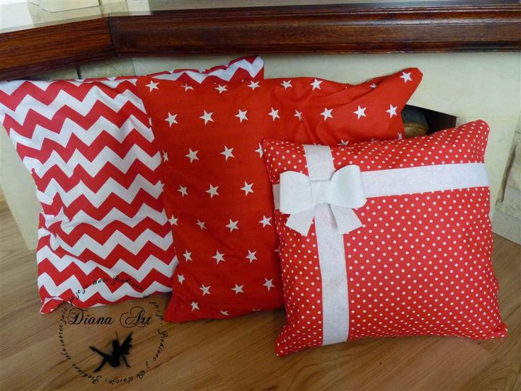 christmas decorations, pillows, red