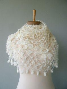 cape de mariage en tricot | ... De Mariage sur Pinterest | Boléro De Mariée, Haussement De Noce et