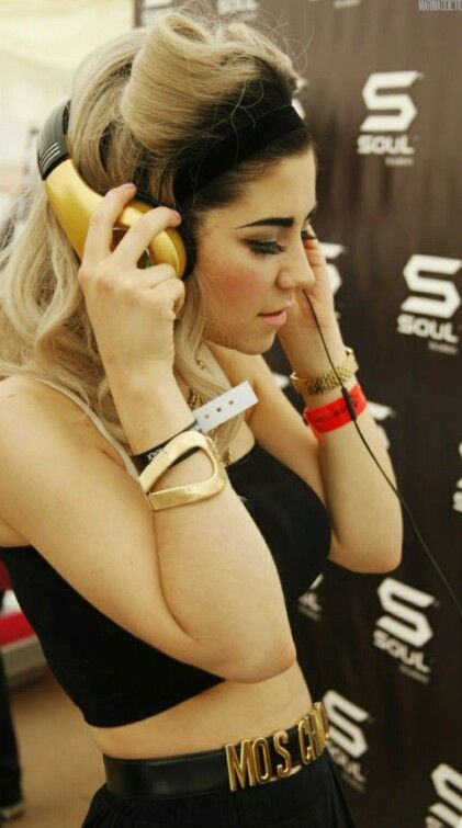 Loved Marina's hair during this period of her music!!