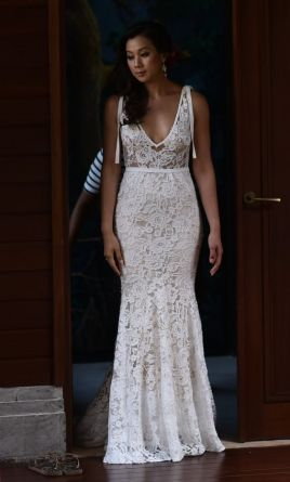 Inbal Dror 13-05: buy this dress for a fraction of the salon price on PreOwnedWeddingDresses.com