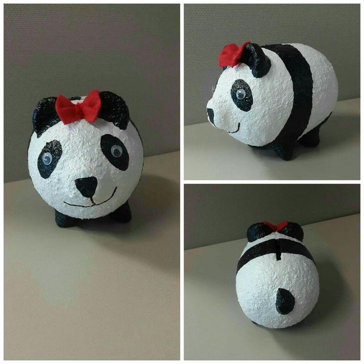 Alcancia de panda.  https://www.facebook.com/kochicr/