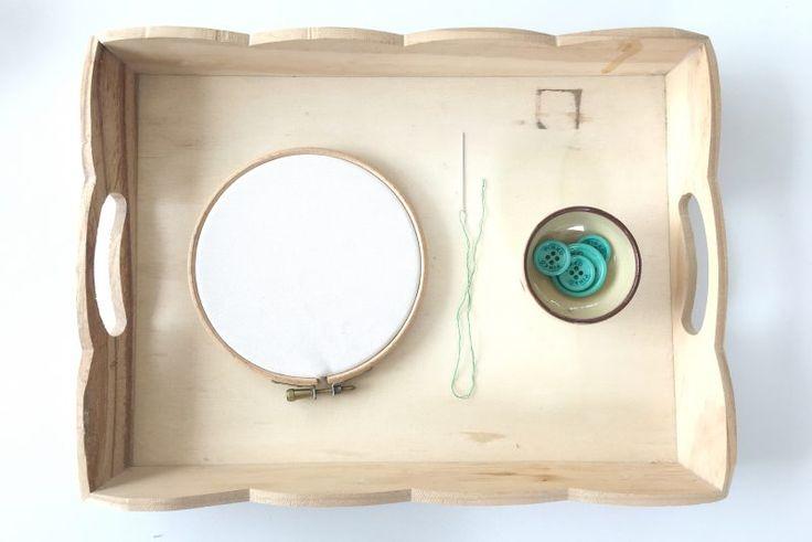 Montessori - Vita Pratica: Cucire un Bottone - il blog di Claudia Porta