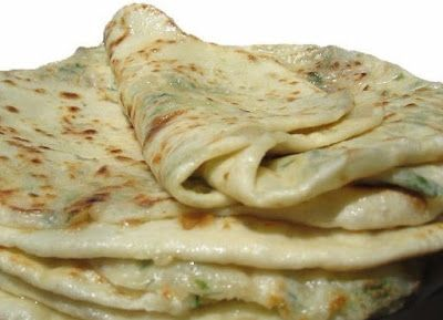 Дагестанское блюдо, а точнее сказать аварское! представляет собой тонкую лепешку с начинкой… Эти лепешки особенно вкусны в горячем виде (только с пылу с жару) .