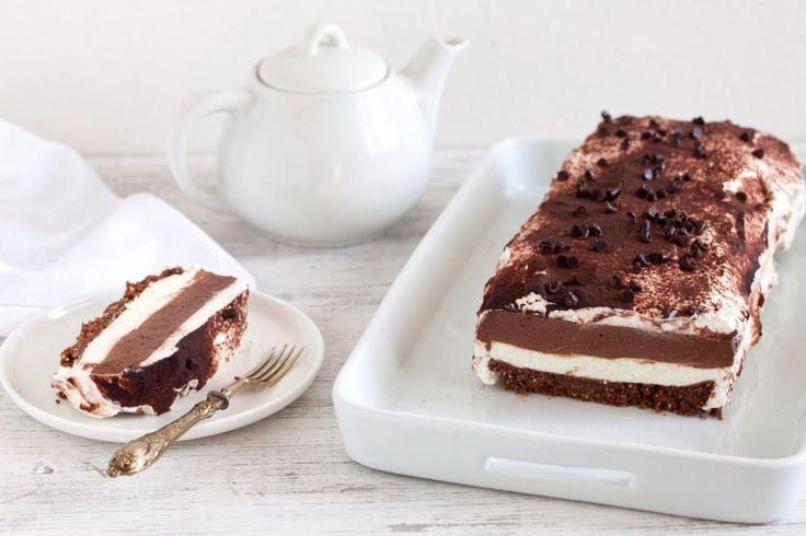 Questa lasagna al cioccolato è una ricetta tanto golosa quanto facile da preparare. Un dolce mordibo e setoso, dal successo garantito. Provare per credere!