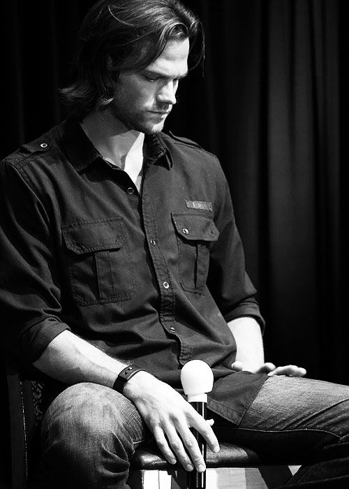 Jared Padalecki Can't decide if he is deep in thought. Just tired from all the demands of a Con. Or sad from missing his family. Any of the above, just want to give him a hug. Tell him it will be alright. Understand he is the same age as my daughter. Hate seeing her like this to.