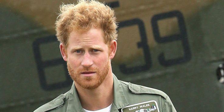 Harry herceg élő adásban csináltatott HIV-tesztet