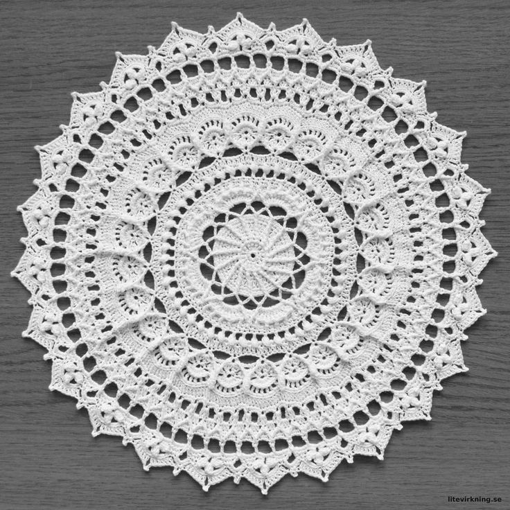 LiteVirkning - Doily Alice , pattern by emilyandthe