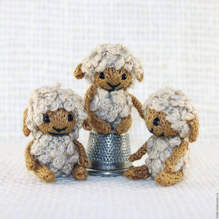 Купить Вязаные миниатюрные овечки - белый, зеленый, розовый, голубой, овечка, вязаная овечка, амигуруми
