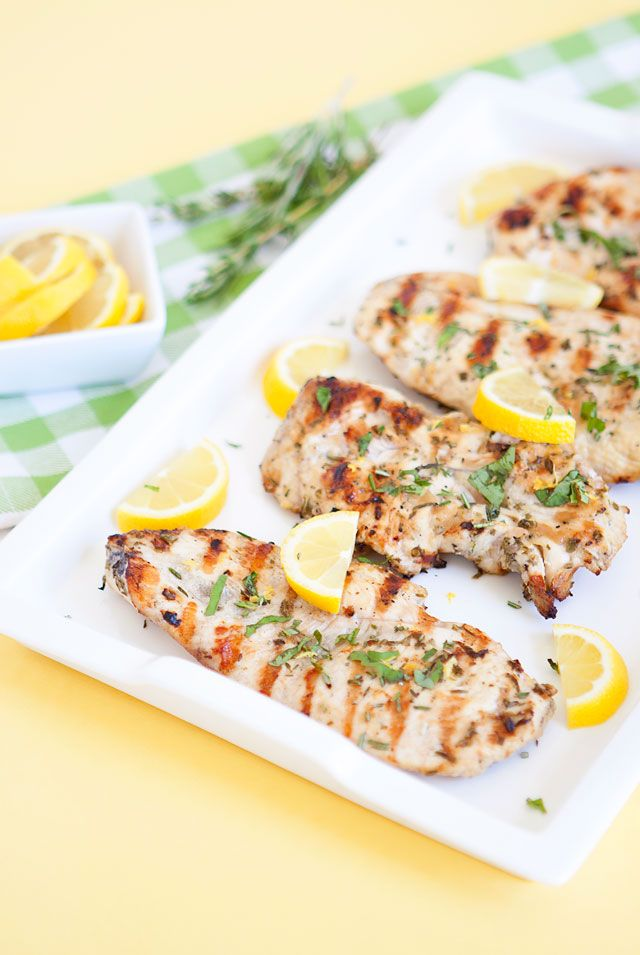 Easy Grilled Chicken with Lemon and Herbs Marinade Recipe // Summer Time Grilling Recipes with Harmons Grocery // www.armelleblog.com