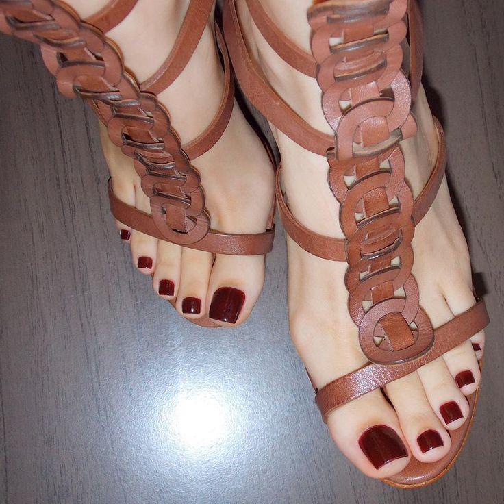 Sexy toes and sandals.