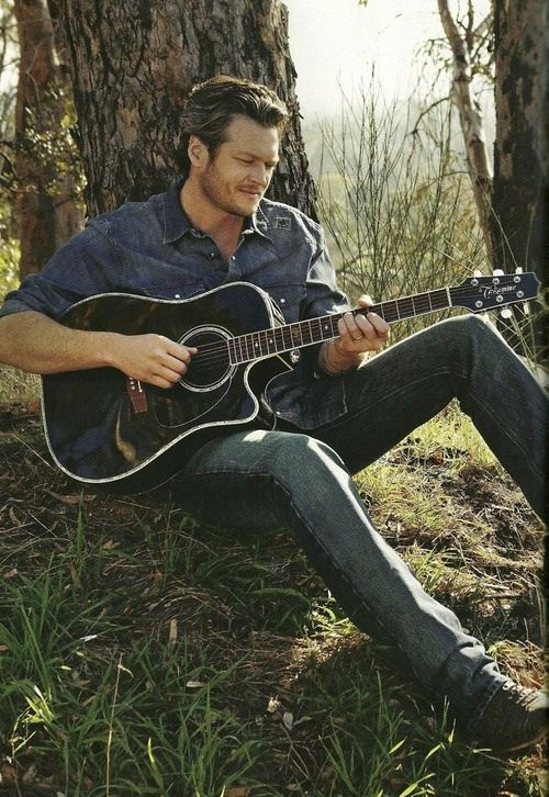 Blake shelton is the only damn country singer I find attractive besides Luke Bryan of course