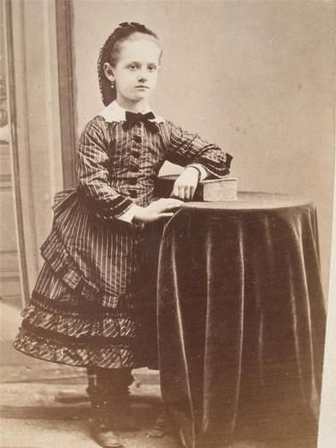 Dress like a victorian girl images