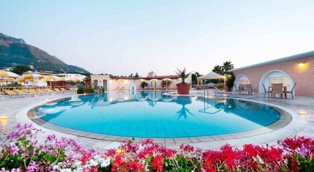 Albergo Parco Delle Agavi - 4 Sterne #Hotel - EUR 70 - #Hotels #Italien #Ischia #ForioDiIschia http://www.justigo.de/hotels/italy/ischia/forio-di-ischia/albergo-parco-delle-agavi_123374.html