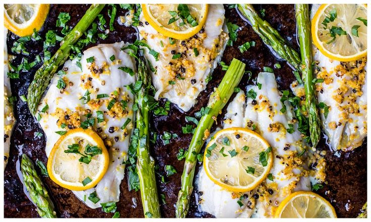 BAKED SOLE WITH FRESH LEMON PEPPER AND APARAGUS