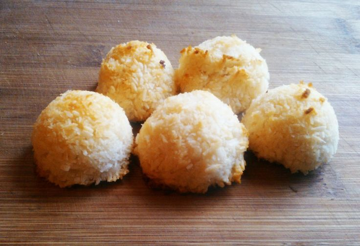 ... coconut macaroons oatmeal coconut macaroons sally s coconut macaroons