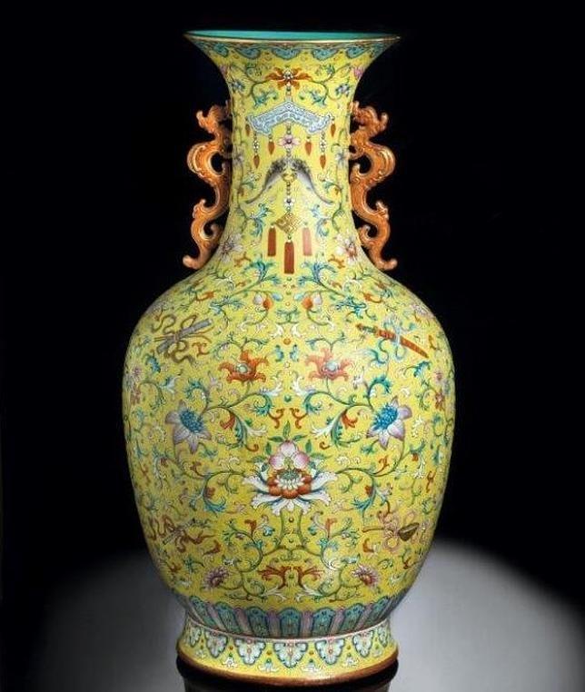 Récord de subasta en Italia por un jarrón chino dinastia Qing periodo Qianlog 7,5 millones de Euros