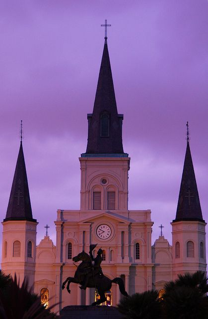 Jackson Square, New Orleans. I will be going to New Orleans! One way or another!! Start saving my pennies!