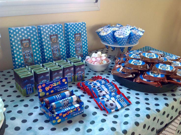 Mesa dulce para cumpleaños de fútbol. Latiendadecoideas@gmail.com