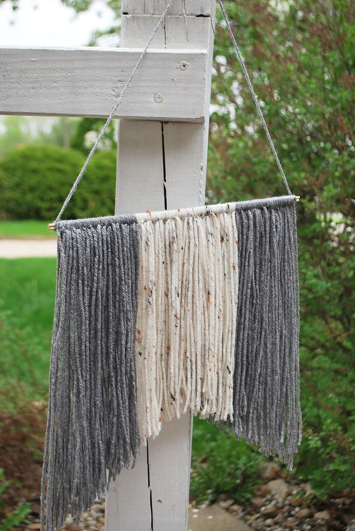 11 best images about craft wall hanging on pinterest for Yarn wall hanging