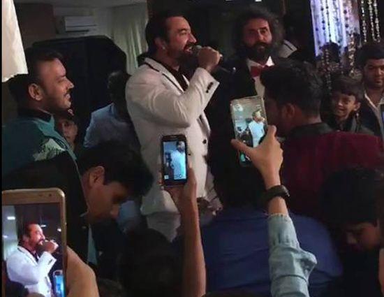 रियलिटी शो बिग बॉस से पहचान बनाने वाले बॉलीवुड अभिनेता एजाज खान का कहना है कि…