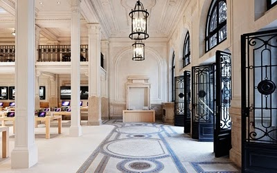 The Apple Store (in Paris): Click on the image (2x) for link to see more