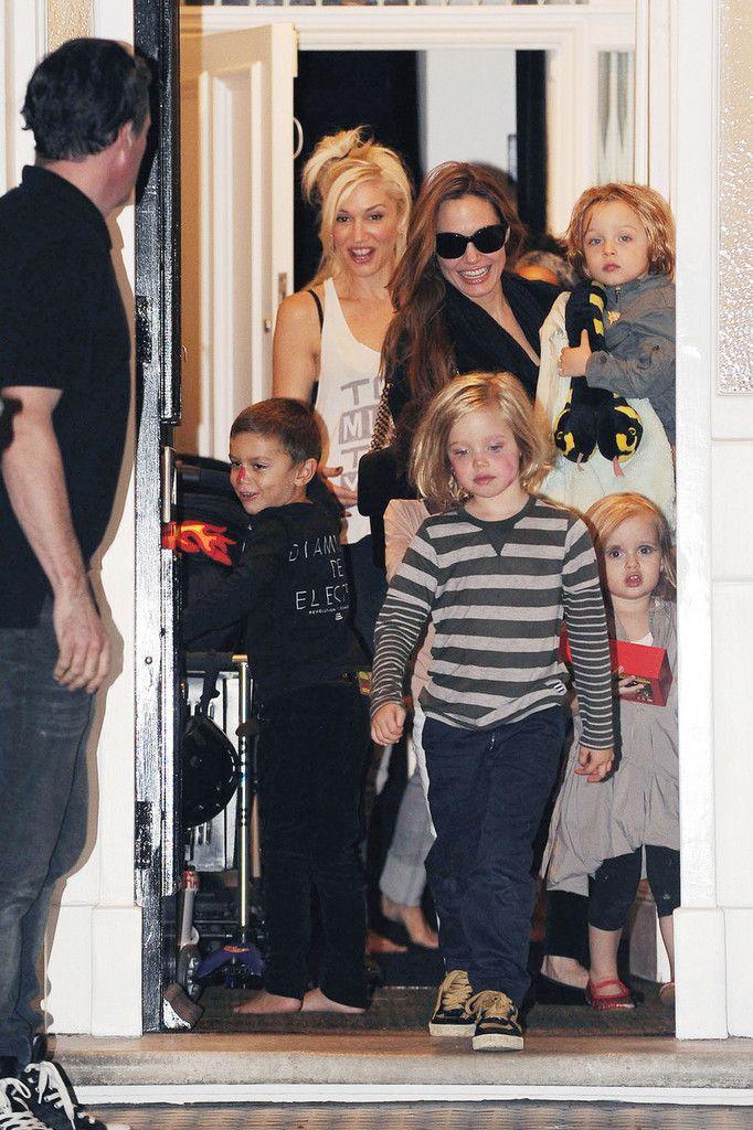 Angelina Jolie, Gwen Stefani, Shiloh Jolie-Pitt, Kingston Rossdale, Zahara Jolie-Pitt, Knox Jolie-Pitt, Vivenne Jolie-Pitt