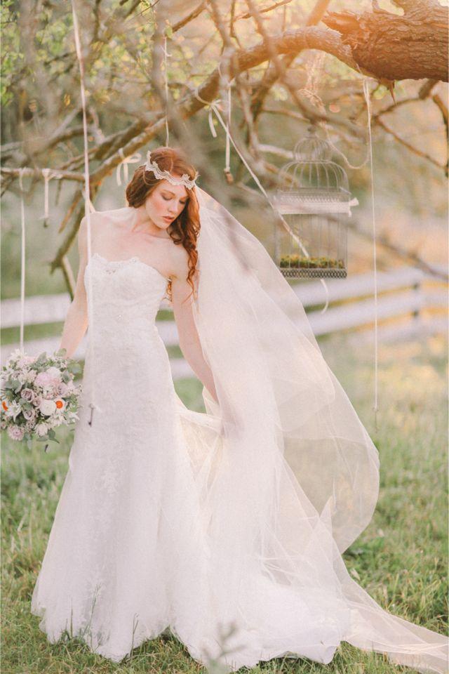 Full length veil | Jenny Sun Photography | http://burnettsboards.com/2014/01/enchanted-garden-editorial/