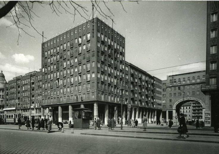 ! Budapest, az ún. Madách házak, 1937-38. / Wälder Gyula (Madách tér 3-4. és Károly körút 21-23.) illetve Hübner Tibor, Janáky István, Gerlóczy Gedeon, Málnai Béla, Wellish Andor