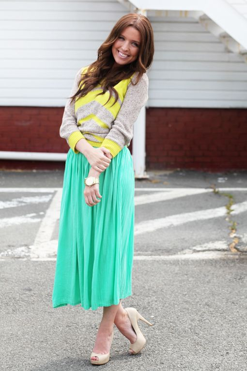 Style with a little bit of a casual feel: Mint Midi, Midi Skirts, Colors Combos, Hair Colors, Mint Skirts, Bright Mint, Chevron Tops, Bright Colors, Maxi Skirts