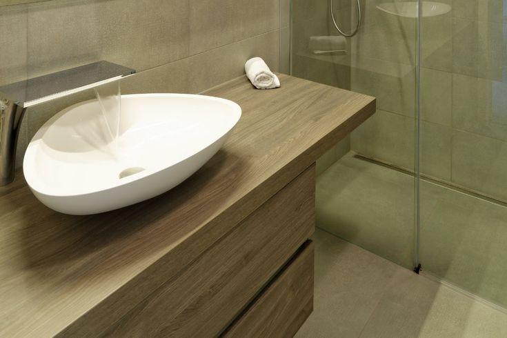 Wil je jouw badkamer renoveren? Inspiratie foto's en tips over materialen…