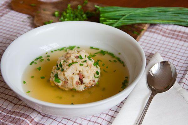 Tiroler speckknodel - Dumpling with bacon served with soup or salad