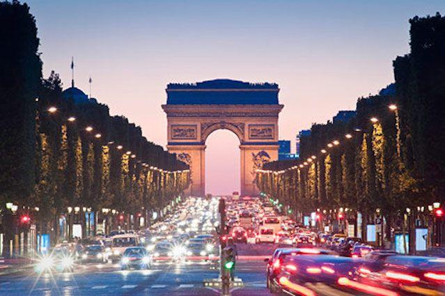 Προβλήματα στις πτήσεις αλλά και στις μετακινήσεις στο Παρίσι και στα περίχωρά του αναμένεται να προκαλέσουν οι απεργιακές κινητοποιήσεις Συμμετέχουν οδηγοί ταξί, ελεγκτές εναέριας κυκλοφορίας, εκ…