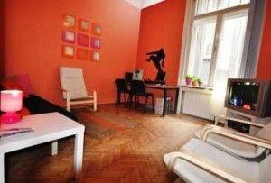 Fifth Hostel - Váci utca 85., V. kerület, Budapest, Magyarország. A hostel családias szobákkal várja vendégeit,  általános felszereltségei közé tartoznak a törölközők, zuhanyzó. http://www.olcso-szallas.com/fifth-hostel-budapest-szallas-az-v-keruletben-szallas-olcson/