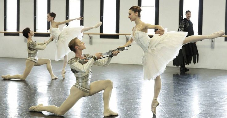 La Scala dancers talk about being in Ratmansky's Swan Lake - Nicoletta Manni and Timofej Andrijashenko rehearse Swan Lake with Vittoria Valerio and Claudio Coviello behind – photo by Brescia and Amisano Teatro alla Scala