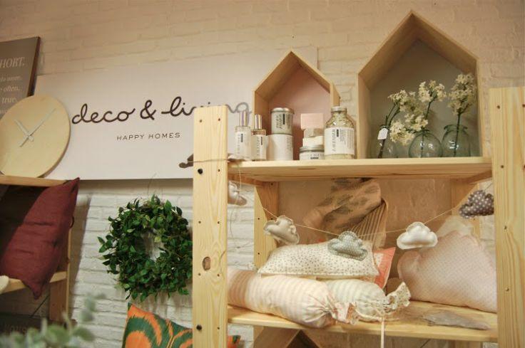 Nuestra stand en Singulares Inventory Room por www.labiciazul.es