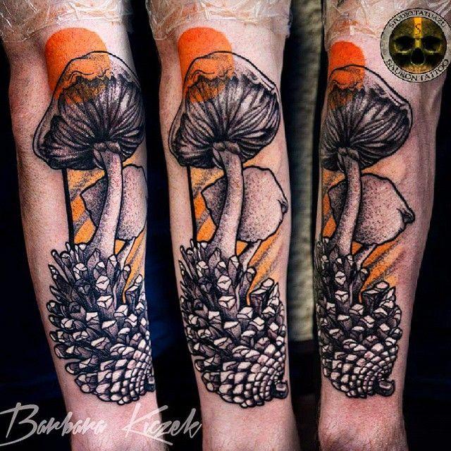 these mushroom tattoos are trippy amazing tattoos