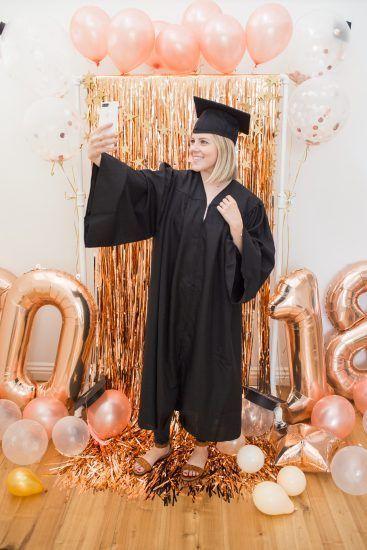 Rose gold Graduation Party mood! Graduation party planning, graduation party, graduation pictures, graduation invitations, nursing graduation, graduation party