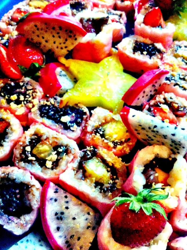 Mes fameux Sushi Dessert :) réservez votre petite boîte pour le 24 Avril prochain au sushialamaison@hotmail.fr