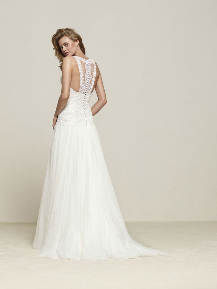Vestido de novia falda con vuelo
