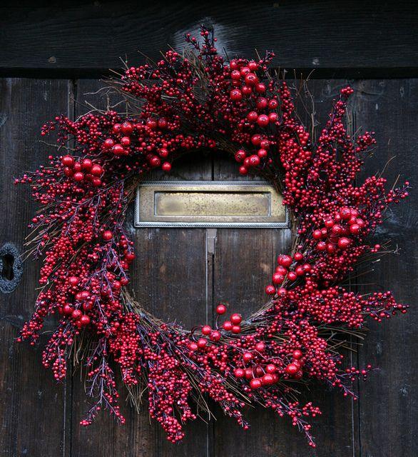 Christmas Wreath. Love the simplicity!
