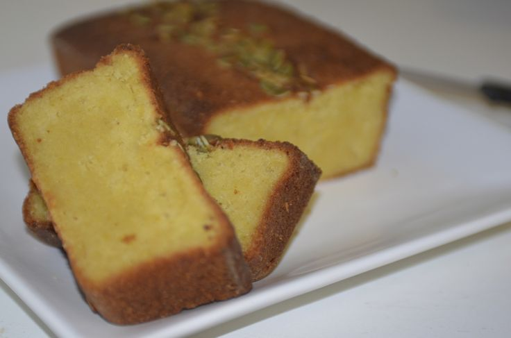 Gluten Free Orange and Almond Loaf. Delicious, tasty, and healthy! #glutenfree #cake #aromalily